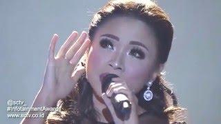 Video Lesti, Shiha, & Danang - (Medley) Keramat, Muarah Kasih Bunda, Bunda (Infotainment Awards 2016) MP3, 3GP, MP4, WEBM, AVI, FLV Januari 2019