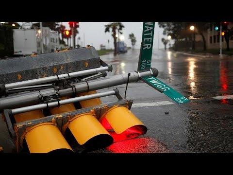 Υποβαθμίζεται αφού σάρωσε το Τέξας ο τυφώνας Χάρβεϊ