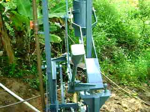 Bomba de água monjolo teste prelimilar no sítio