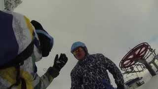 Polak cham na nartach.