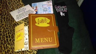 Lets see what I got in Februarys box from Stars Hollow Monthly!Follow me on Facebook and Twitter: JoiseyDaniFollow me on Instagram: JoiseyDani78Subscribe to my channel!