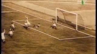 Nandor Hidegkuti trifft gegen Italien (1953)