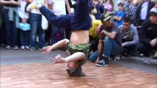Nonton Breakdance Show In Arbat Street  Moscow  Russia  Street Performers Film Subtitle Indonesia Streaming Movie Download