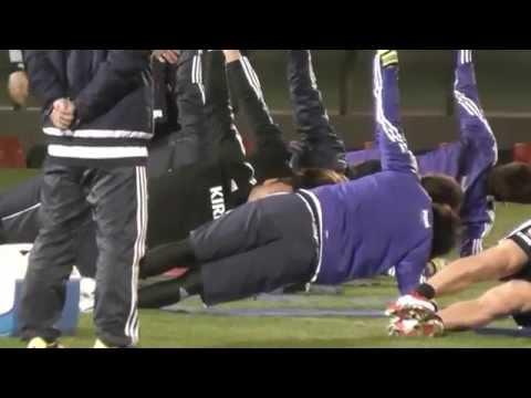 サッカー日本代表も取り入れる!体幹補強で当たり負けない身体を作る