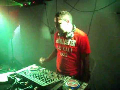 ararunaonline.com - DJ Hitérbio agitando em Araruna