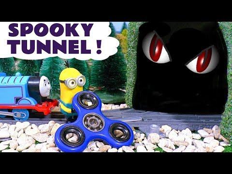 Minions Fidget Spinner tricks Dinosaur in Tunnel - Thomas and Friends Toy Trains Story TT4U