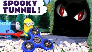 Minions Fidget Spinner tricks Dinosaur in Tunnel - Thomas and Friends Toy Trains Story TT4U
