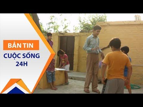 Ấn Độ: Gặp cậu bé 8 tuổi cao gần 2m | VTC1 - Thời lượng: 106 giây.