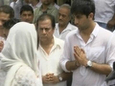 Bollywood stars @ Shammi Kapoor's Funeral