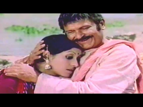 Video Old Man Tries To Convince Young Girl, Dangal - Bhojpuri Scene download in MP3, 3GP, MP4, WEBM, AVI, FLV January 2017