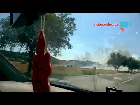 Hořící traktor
