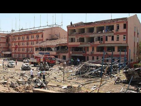 Τουρκία: Στο νοσοκομείο για να δει τους τραυματίες των τρομοκρατικών επιθέσεων ο Μπιναλί Γιλντιρίμ