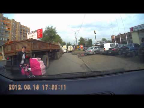 Беспечные мамаши с колясками