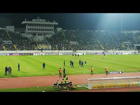 #كأس_زايد_للأندية_الأبطال_دورال16| لاعبوا الرجاء الرياضي والاسماعيلي المصري في حركات إحمائية.