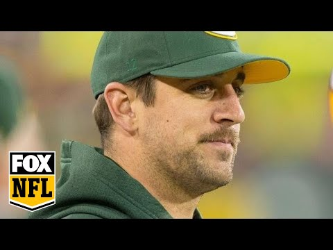 Video: Aaron Rodgers breaks collarbone