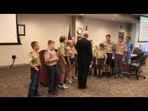 Video: Boy Scouts lead pledge