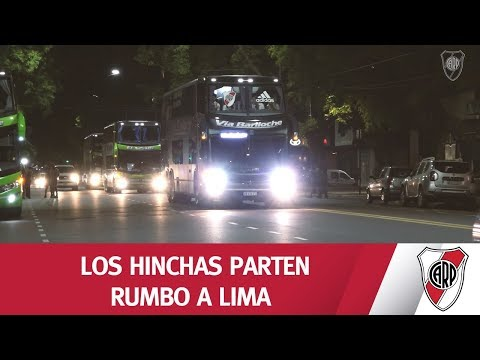 ¡RUMBO A LIMA! Mirá la salida de los hinchas hacia Perú desde el Monumental