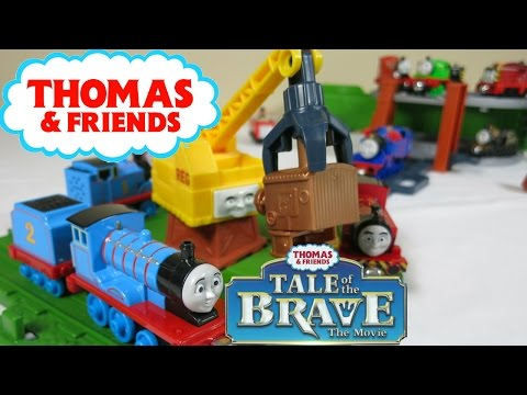 THOMAS AND FRIENDS TALE OF THE BRAVE SCRAPYARD PERCY REG DIESEL TREN
