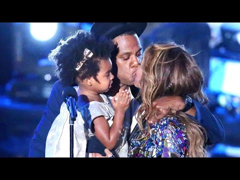 beyoncè, jay-z e figlia dopo l'incredibile performance mvma 2014