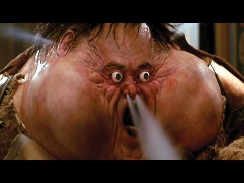 Top 10 Hilarious Movie Deaths (видео)