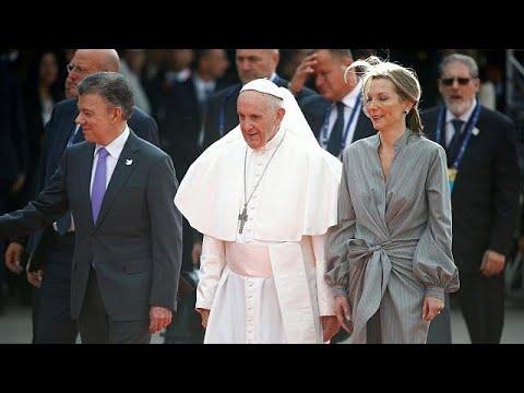 Πάπας προς Κολομβιανούς:«Μείνετε στο δρόμο της ειρήνης»