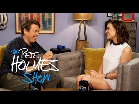 """""""The Walking Dead's"""" Lauren Cohan Tries Out Accents With Pete"""