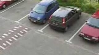 Уникална жена си РЕзервира мястото за Паркиране!!! Вижте това!!!