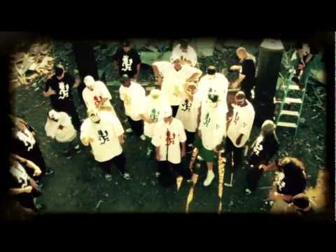 ICP - The Psychopathic Family performing in the Scrap Yard.