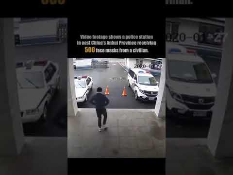 В китайской провинции Anhui (Аньхой) человек вбежал в полицейский участок...