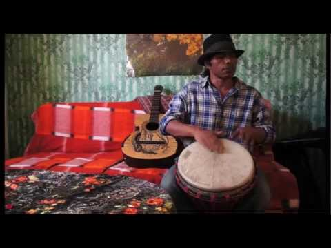 Introducing Gitra Cajon and finger technique drumming on Djembe