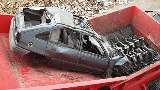 Video Extreme Dangerous Car Crusher Machine in Action, Crush Everything & Car Shredder Modern Technology MP3, 3GP, MP4, WEBM, AVI, FLV April 2019