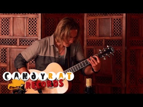 Calum Graham – Waiting (Solo Acoustic Guitar)