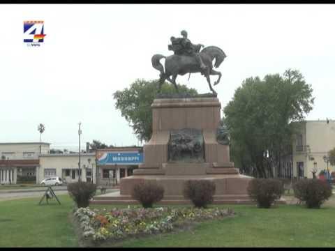 Junta Departamental descubrió mosaico homenaje en Plaza Artigas