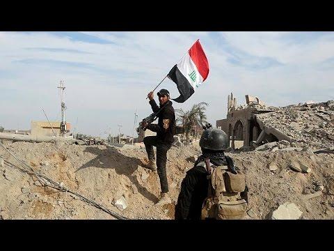 Η σημαία του Ιράκ επιστρέφει στο Ραμάντι