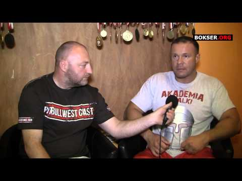 Sebstian - http://www.bokser.org/ - Największy portal bokserski w Polsce przedstawia wywiad z trenerem i założycielem Akadami Walki.