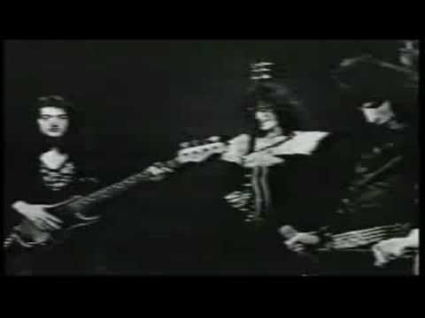 """seven seas of rhye"" top of the pops(1974):queen ""rockband"" consecration"