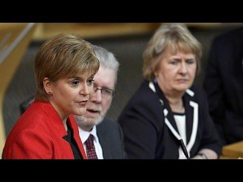 Στο Κοινοβούλιο της Σκωτίας η πρόταση Στέρτζον για νέο δημοψήφισμα