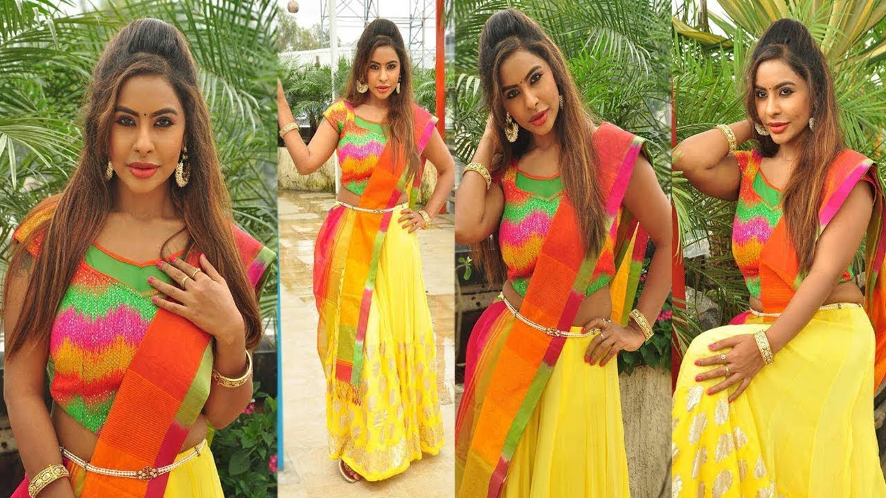 Hot Telugu Actress Sri Reddy Hlaf saree Photoshoot HD Photos | తెలుగు హీరొయిన్ శ్రీ రెడ్డి ఫొటోస్