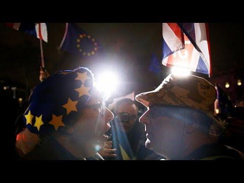 Großbritannien: Brexit-Deal deutlich gescheitert - Un ...