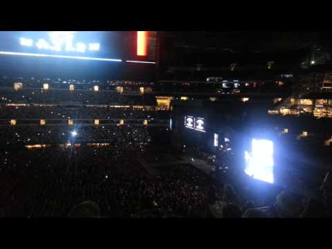 Opening to concert @ Cowboys Stadium
