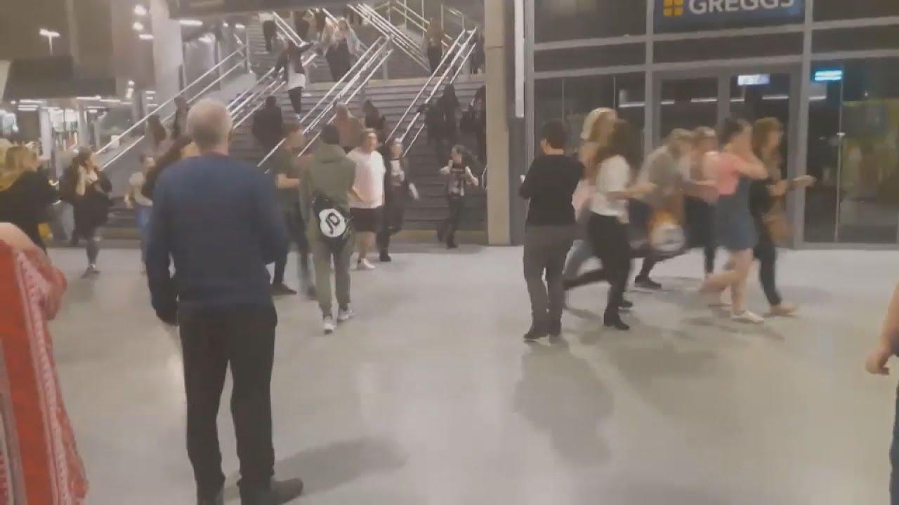 Πολύνεκρη έκρηξη σε συναυλιακό χώρο στο Μάντσεστερ