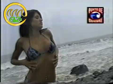 Andrea Rodriguez en bikini HOT