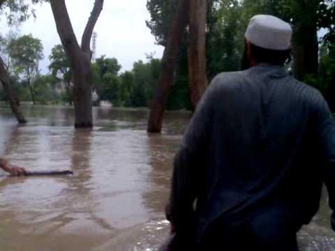 Lluvias e inundaciones continúan amenazando a Pakistán