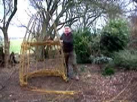 Hoggywart - Living structures can be very interesting and I've seen some really good examples in gardens that are open to the public. They are mostly made from willow wh...