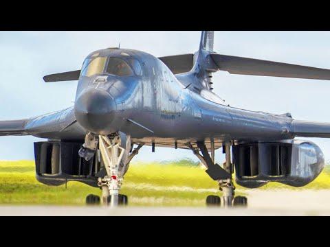 US Air Force Boeing C-17 Globemaster...