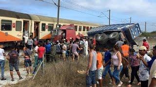 الحصاد اليومي :  حادثة خطيرة قطار يصدم شاحنة من الحجم الكبير في أصيلة
