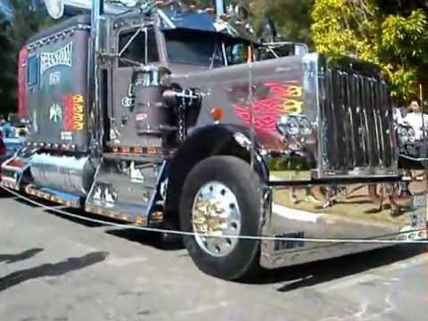 caminhao equipado - Caminhões equipados e com rodas de espinho e muito mais,na exposição de carros em Poços de Caldas.
