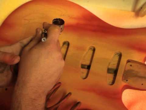 Liuteria Saldaneri, aerografia del body , chitarra elettrica modello Gl 3 Safe Flight