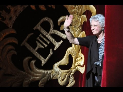 Monica Mason final curtain call and flower throw (The Royal Ballet)