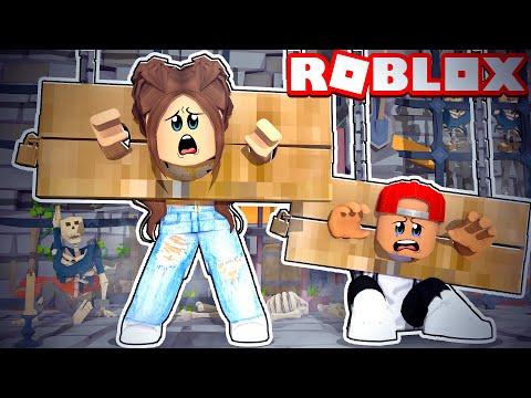 ROBLOX ESCAPE THE CASTLE OF ROBLOXIA